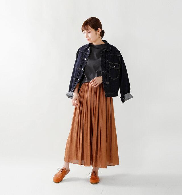 model yama:167cm / 49kg color : camel / size : L