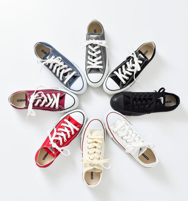 カラーは全8種類。豊富なカラーバリエーションで、お好みの色や服にあった一足が見つけられます。
