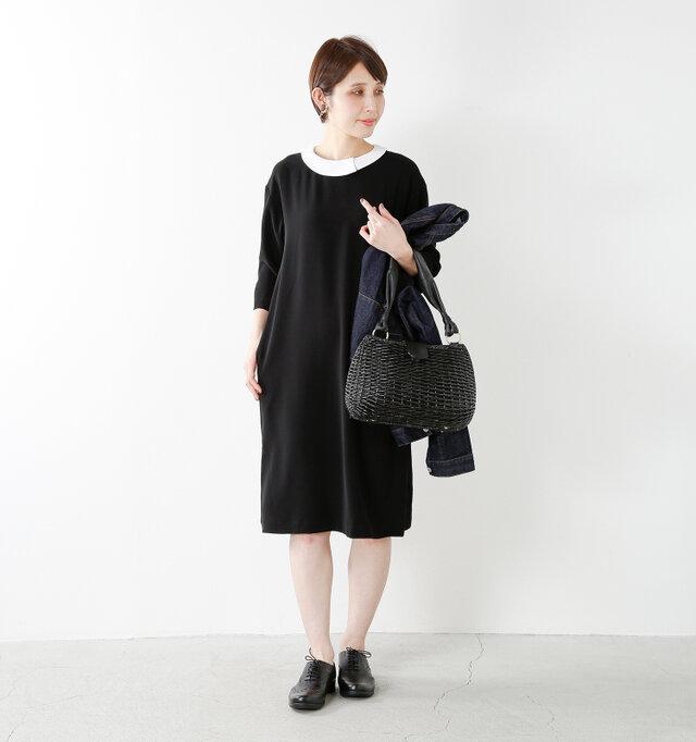 color : black / size : 38  白襟がブラックのワンピースに映えて、コーディネートも華やかになります。