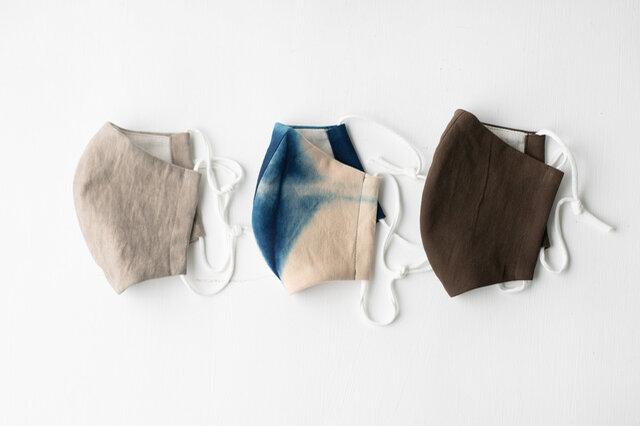 左から:墨染GRAY、染柄、泥染BROWN