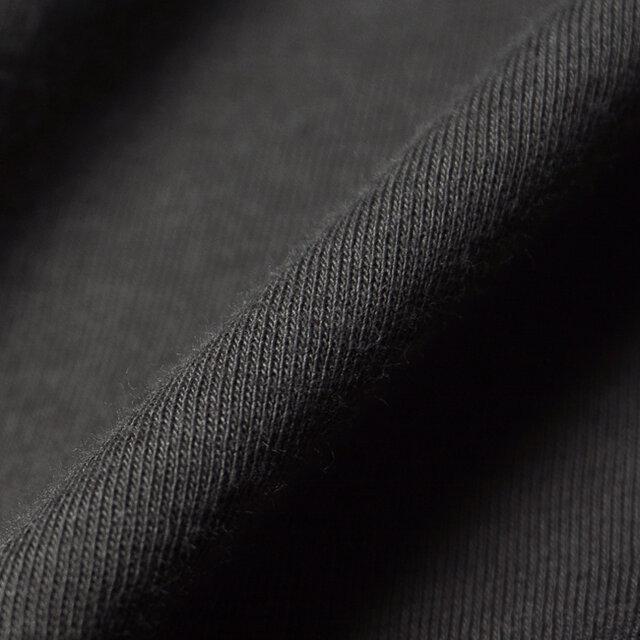 ふっくら柔らかな肌触りが心地いい、コットン100%ファブリック。 さらりとしていて汗ばむ季節にぴったりです。