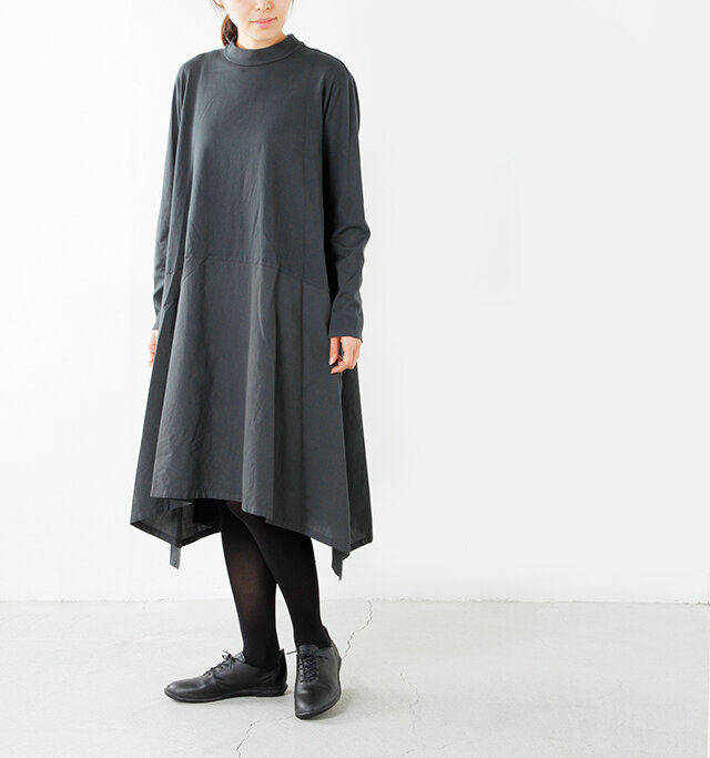model yama height:167cm/weight:49kg color:black/size:s