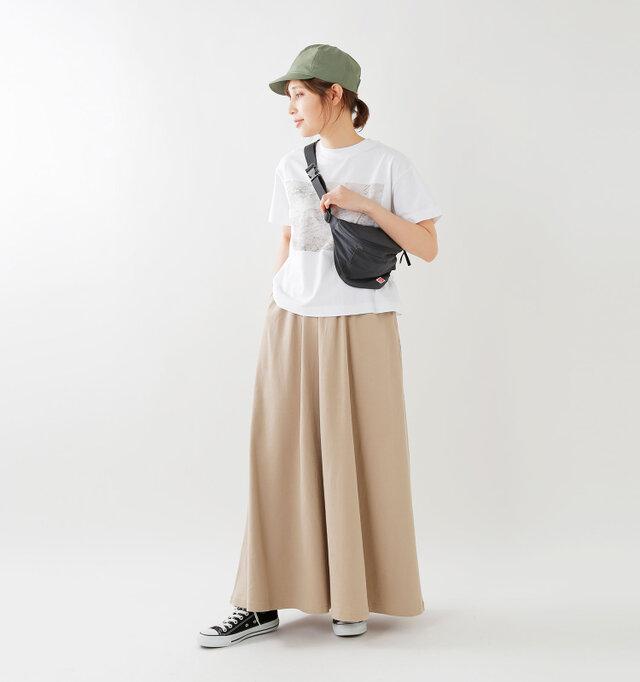 model yama:167cm / 49kg color : beige / size : F