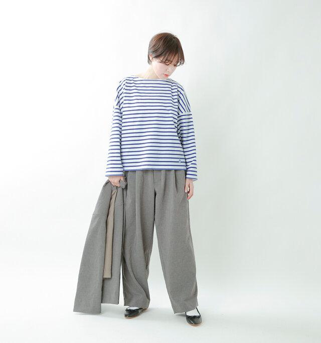 model saku:163cm / 43kg  color : white×royal / size : 1