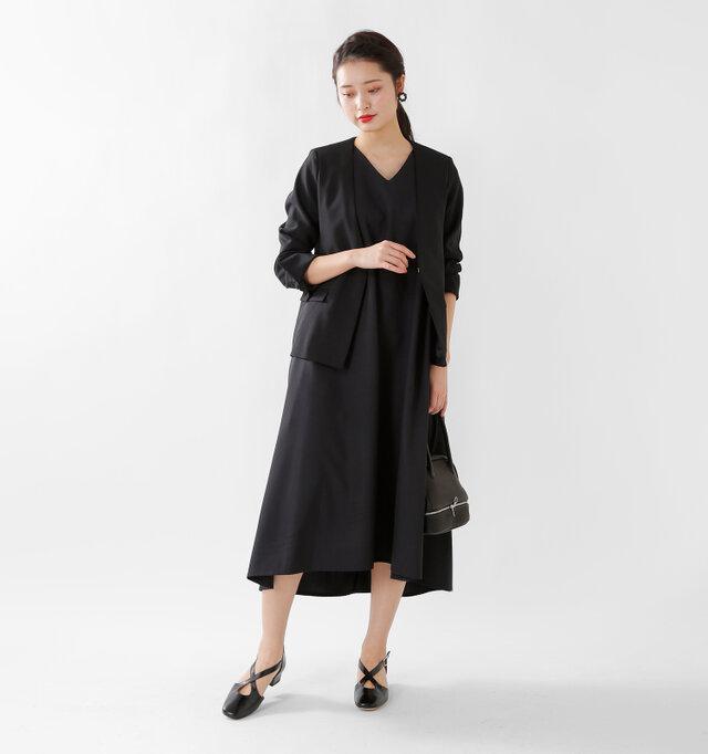 model kanae:167cm / 48kg color : black / size : 38  涼しげに1枚で着こなすのはもちろん、カーディガンやジャケットとの組み合わせも楽しめます。