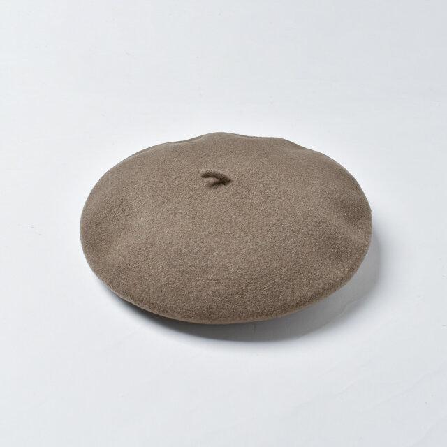 柔らかな素材なので、折りたたんでバッグに入れ、持ち運ぶこともできます。