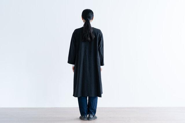 ブラック着用、モデル身長:160cm