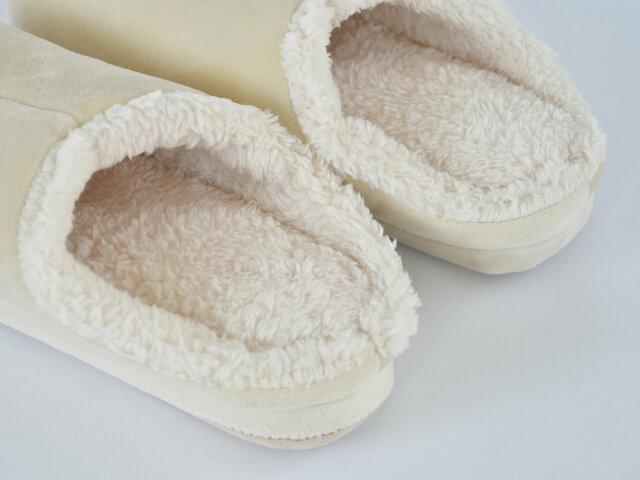 すっぽり足の甲まで覆ってくれているので、フィット感もいいですよ。サイズはM、Lの2種類。ご夫婦でお揃いもいいですね。