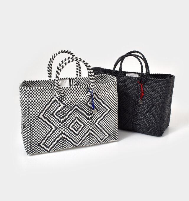 """メキシコの市場でお買い物によく使われる""""メルカドバッグ""""をモチーフにしたバッグ。軽くて丈夫な実用性に加え、可愛いデザインも魅力。"""