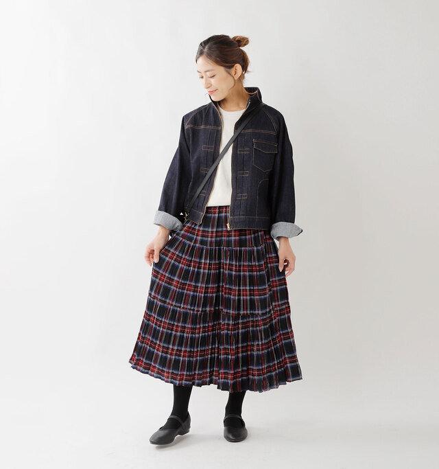 model tomo:158cm / 45kg color : black stewart / size : S