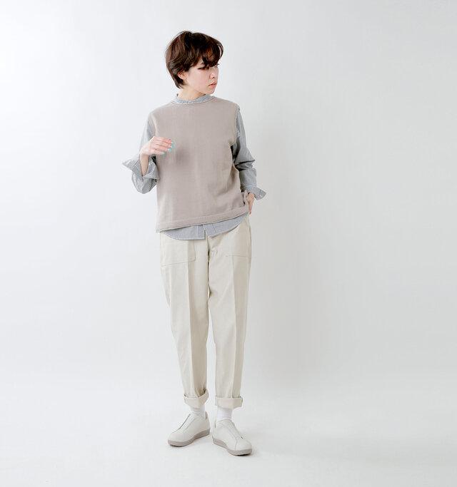 model skau:163cm / 43kg color : light gray / size : 23.5cm