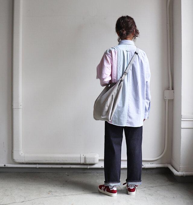 穿きこむことで風合いが増し、長い年月、通年通して愛用いただけるアイテムに。 ハイウエストのコーディネートでインスタイルにもおすすめですよ。