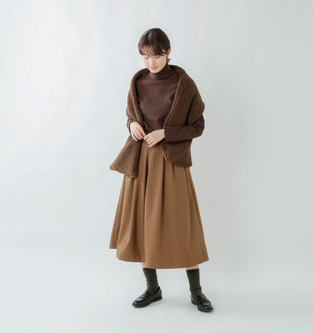 model kanae:167cm / 48kg color : brown / size : F