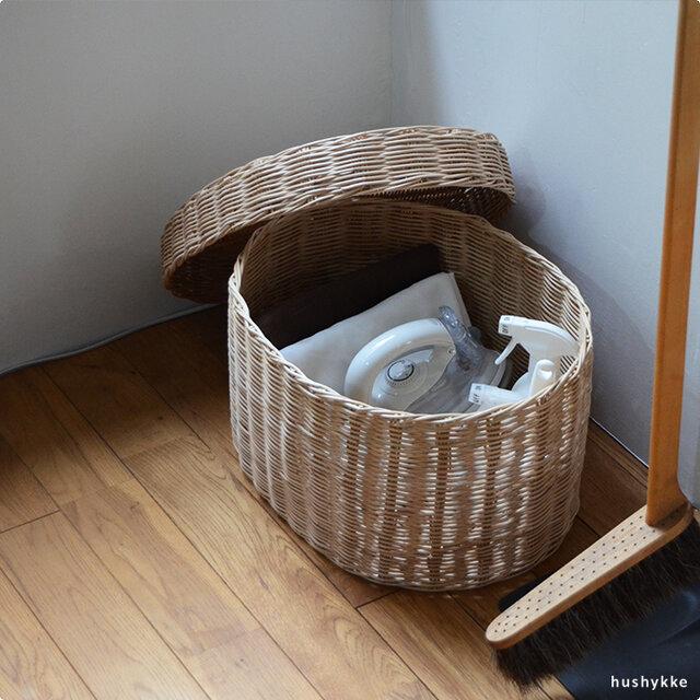 Lサイズは、お掃除道具など隠しておきたいものを入れて床置きしておいても様になります。