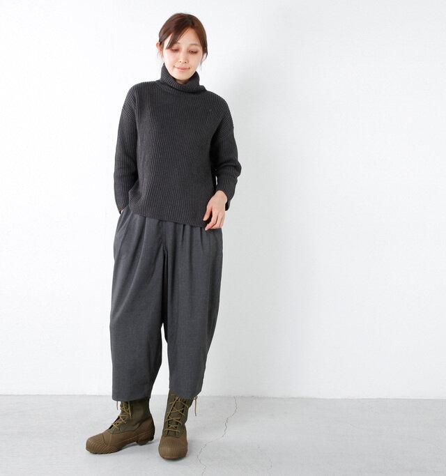 model yama:167cm / 49kg color : khaki / size :  S(24.5cm)