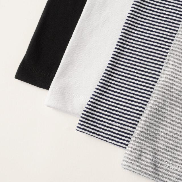 カラーは無地の「black」と「white」、ボーダー柄の「white×navy」「white×grey」の4色をご用意しています。