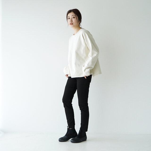 モデル:166cm / 47kg color : black / size : 23.0cm