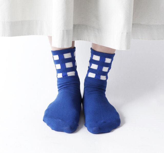 color:ブルー
