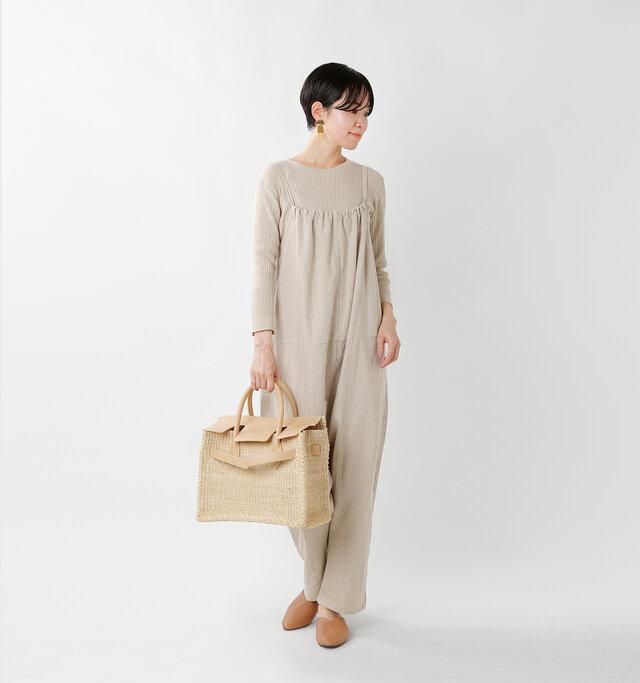 model saku:163cm / 43kg color : latte / size : M