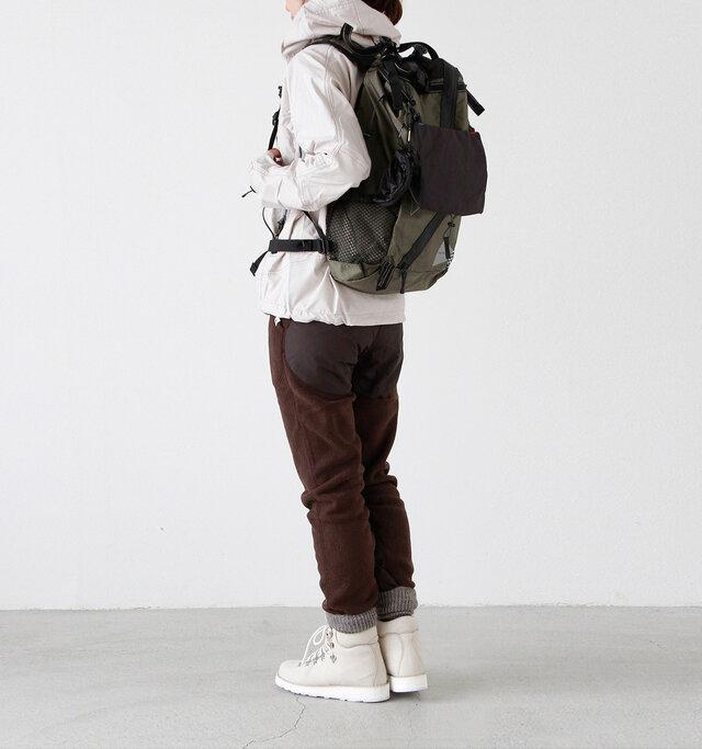 model yama:167cm / 49kg color : khaki / size : one  本格的なハイキングには、かなり本領を発揮してくれます。落ち着いたカラーが大人らしく、おしゃれに演出。