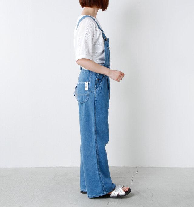 model yumi:165cm / 52kg color : light used / size : M  トレンドを意識した太めのストレートラインで、ゆったりとリラックスして着られるので大人のリラックスコーデにはオススメの一枚。定番のワークテイストのカジュアルスタイルはもちろん、パンプスを合わせた大人っぽい上品コーデも楽しめます♪