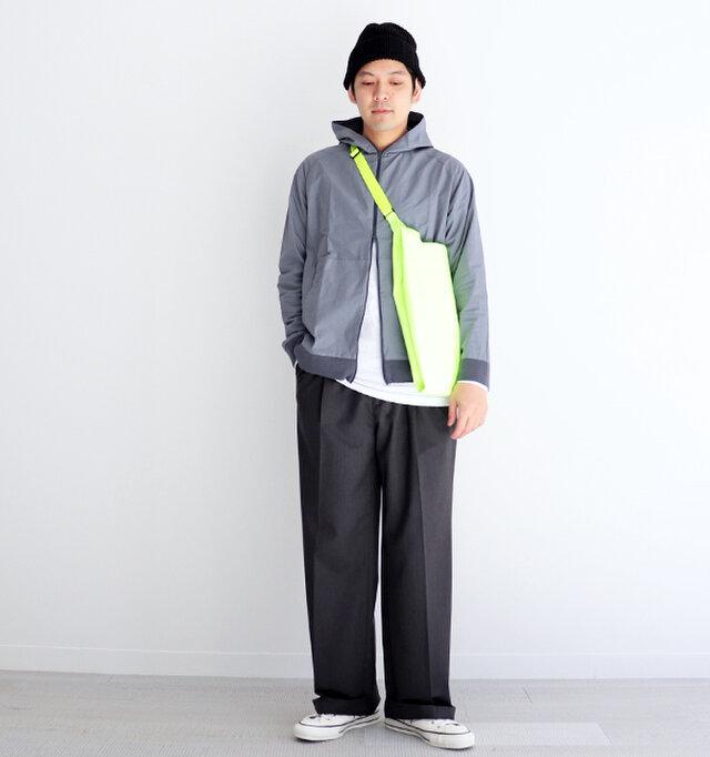 グレー / 2 着用、モデル身長:176cm、体重:65kg