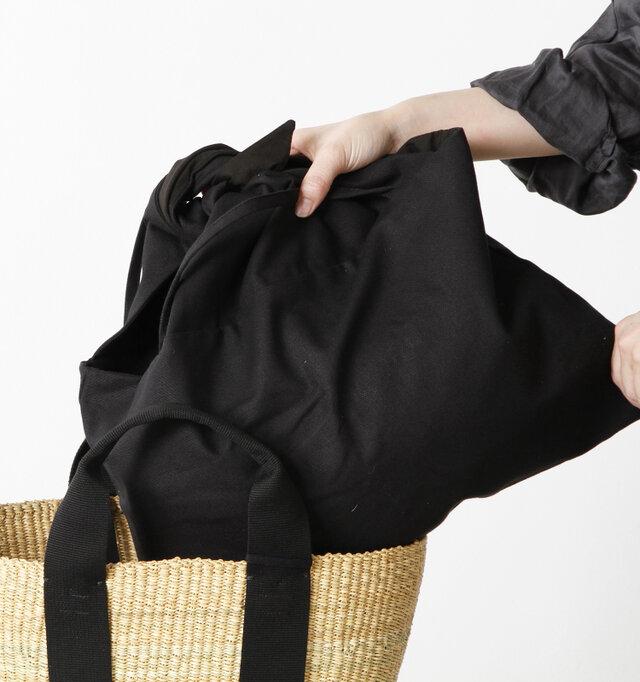 内布は、すっぽりと取り外しが出来るので別のバッグにそのまま入れたりもできます。