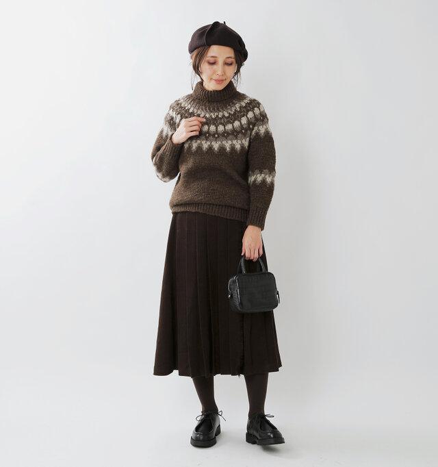 model yama:167cm / 49kg color : dark natural / size : 1