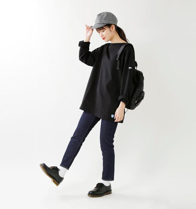 model kanae:167cm / 48kg color : black / size : 7  長めの丈なので、細身のボトムスと好相性。袖はそのままラフにブラウジングしたり、 折り返しても◎です。