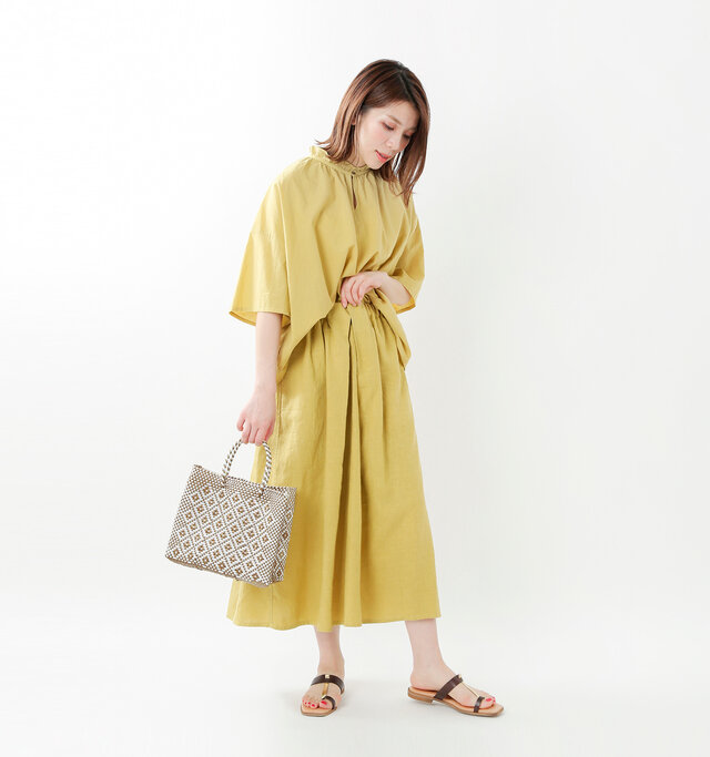 color : gold×white / size : XS