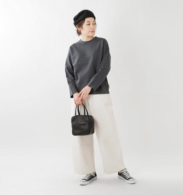 model hikari:165cm / 48kg color : charcoal / size : 0