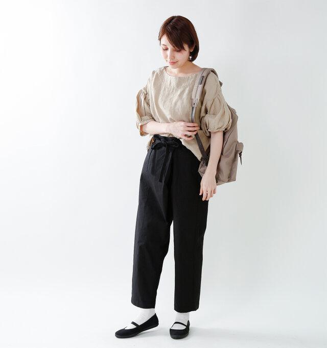 model yama:167cm / 49kg  color : negro / size : 38