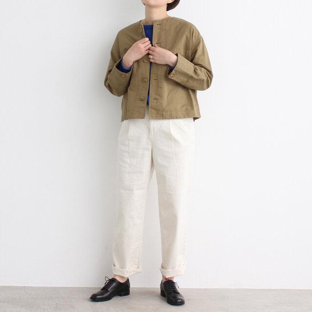 ベージュ着用、モデル身長:164cm