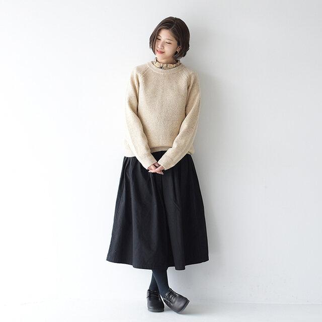 モデル:Kaya / 157cm / 47kg color : black(col.201) / size : 1(M)