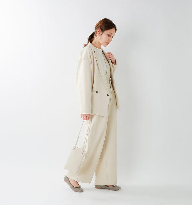 model yama:167cm / 49kg  color : kinari / size : F