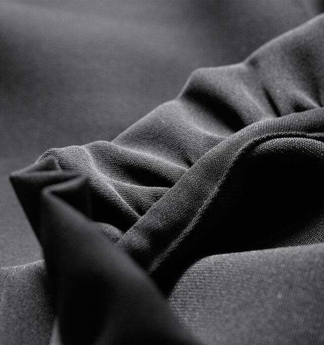縫製もとても丁寧で、着る人のことを考えた細かな気遣いが行き届いています。