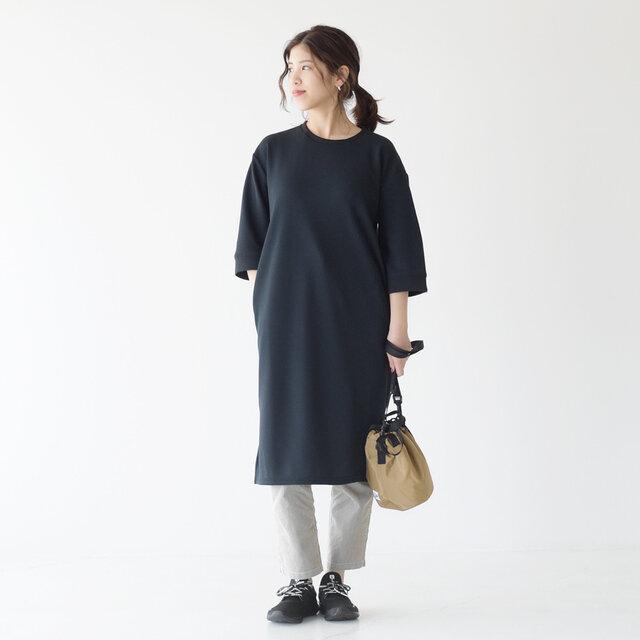 モデル: 157cm / 47kg color:black / size:23.0cm