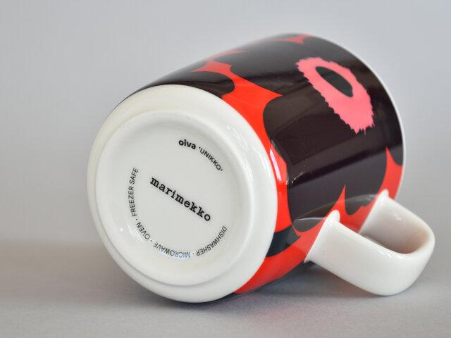 「ラテマグ」「マグカップ」共に、底面にはロゴ入りです。