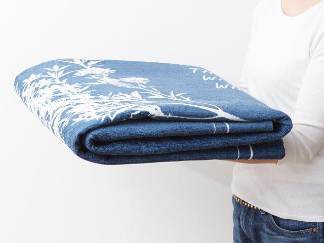 コンパクトに折り畳んで収納可能!とっても軽い設計なので女性でも楽々運べます。