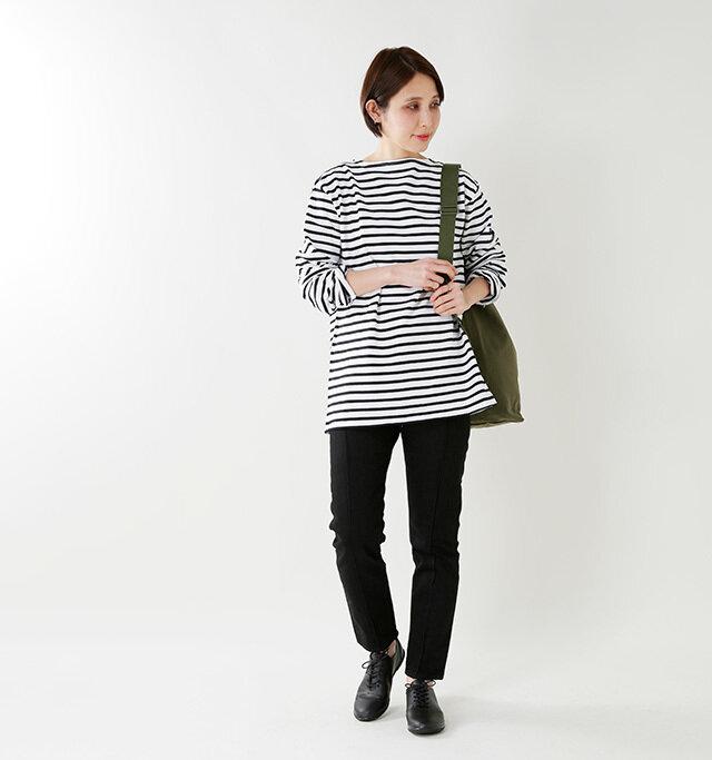 model yama:167cm / 49kg color : black / size : S(24.5cm)