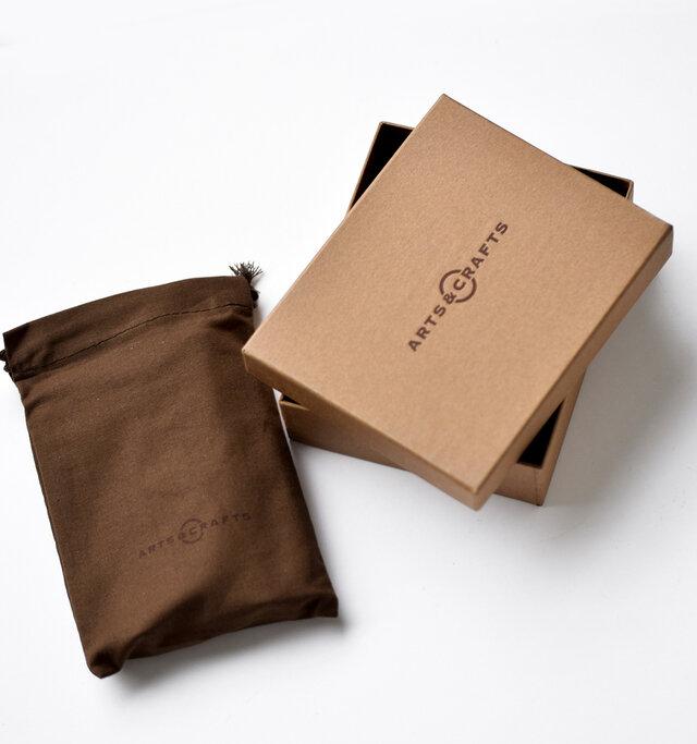 保管に便利な収納袋とオリジナルBOXに入ってお届け板致しますので、プレゼントにも最適です。