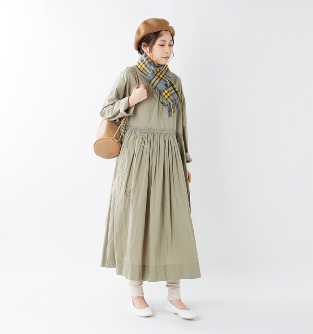 model hikari:165cm / 48kg color : ecru / size : F