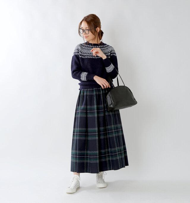 model yama:167cm / 49kg color : navy×white / size : 36