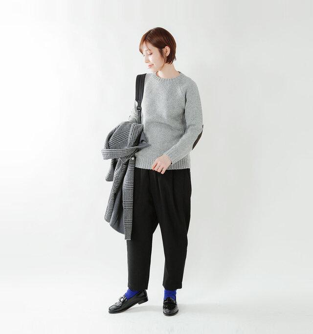 model yama:167cm / 49kg color : light gray / size : S