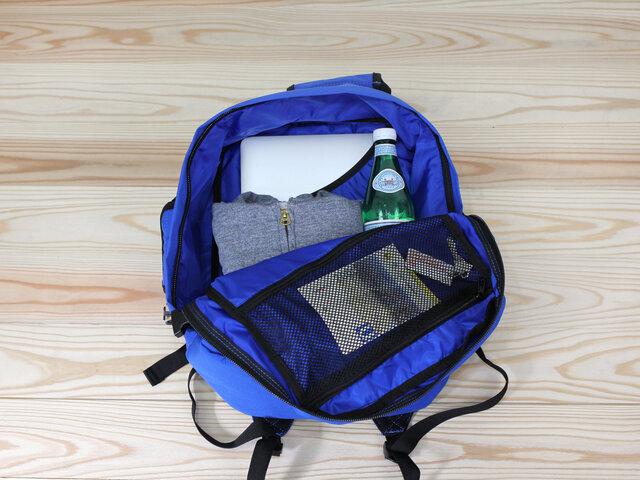 (28L)ノートパソコンがちょうど入る大きさです。日帰り旅行やビジネスシーンにおすすめ。