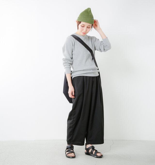 model yama:167cm / 49kg color : black / size : 5(24.0cm)