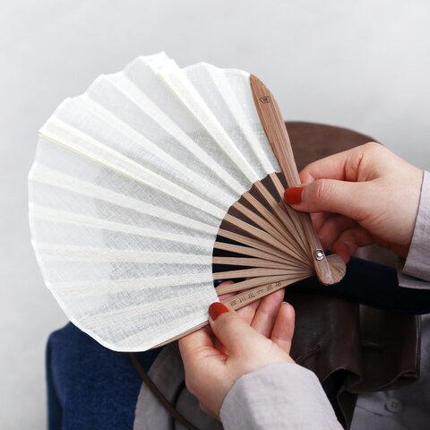 西川庄六商店 ガーゼ素材のふわり扇子