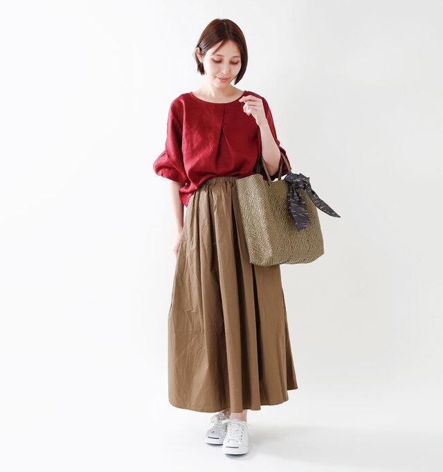 model yama:167cm / 49kg color : gold / size : M   いつものスタイルに1点投入するだけでおしゃれ度UP! 手持ちのスカーフなどを結んでアレンジするのもオススメです。