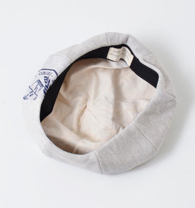 裏地はコットン生地を使用しているので、とても肌触りが良く被り心地も◎です。 縁には太めのテープを採用し、フィット感もgoodです。