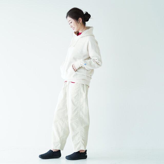 モデル:166cm / 47kg color : off white / size : 00(レディースS~M)